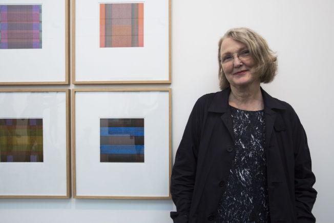 <p><b>MODEN DEBUTANT:</b> 60 år gammel er Heidi Kennedy Skjerve én av 46 debutanter på Høstutstillingen. Prisen hun får for sine stillferdige tusjarbeider er en utstillingsturné i norske kunstforeninger.</p>