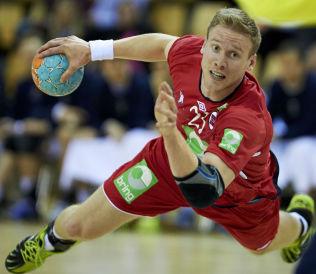 <p>DØMT: Magnus Gullerud, her i aksjon for landslaget, har også fått bot og én kamps karantene.<br/></p>