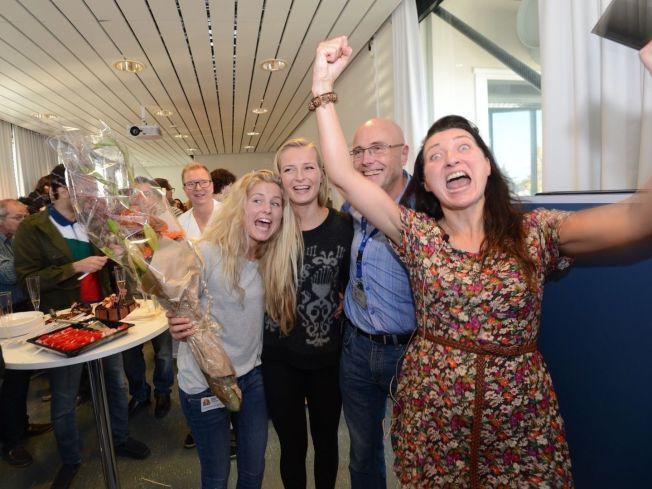 <p>NOBELPRISVINNER: NTNU- forsker May-Britt Moser (t.h.) feiret sammen med døtrene Aylin og Isabell og dekan ved NTNU Stig Slørdal etter tildelingen. Foto: Geir Otto Johansen/VG</p><p><br/></p>