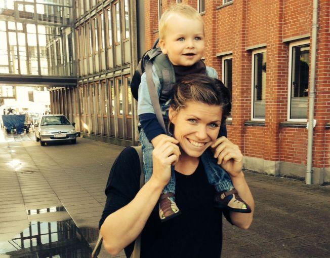 <p>SINDRE PÅ TOPP: Kari Aalvik Grimsbø er klar for comeback på landslaget 16 måneder etter at Sindre ble hennes nye «daglige leder».</p>