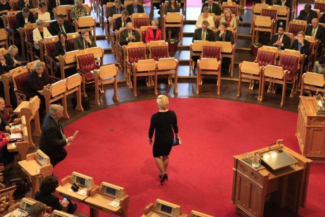 <p>Finansminister Siv Jensen legger frem statsbudsjettet i Stortinget onsdag formiddag, med aller størst skattelettelser til de aller rikeste.<br/></p>