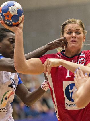 <p>RETT HØYRE: Veronica Kristiansen spilte også en god kamp for Norge mot Frankrike.<br/></p>