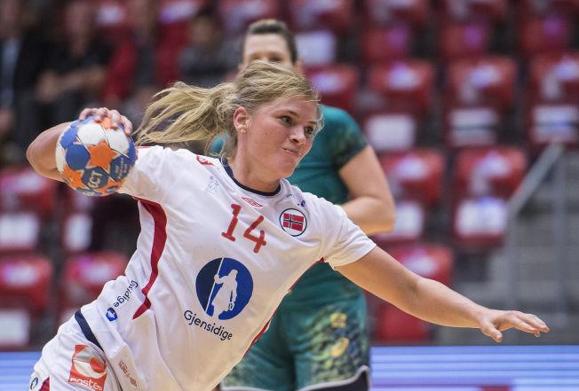 <p>GOD: Maren Gundersen scoret fire mål mot Danmark i går. Her er hun i torsdagens oppgjør mot Brasil.<br/></p>