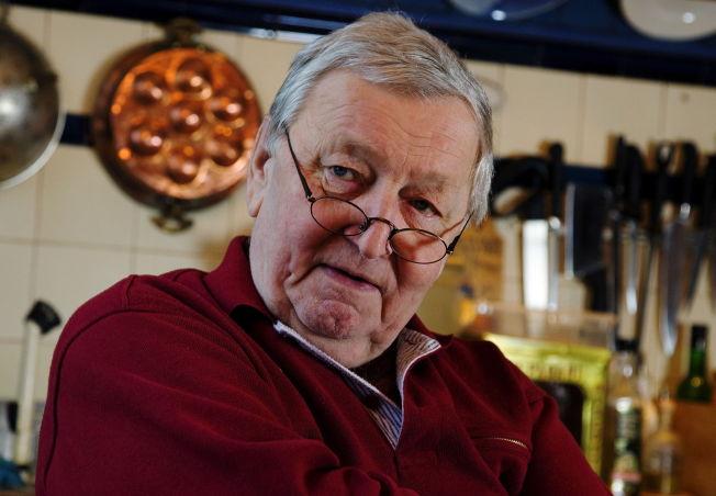 <p>FOLKEKJÆR: Rolv Wesenlund døde med familien rundt seg i fjor sommer. Han var kanskje mest kjent som den komiske figuren Marve Fleksnes i serien med samme navn.</p>