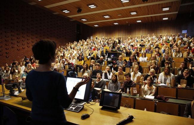 <p>EKSAMENSTID: Det nærmer seg eksamen for titusener av studenter, og auditoriene er fulle.<br/></p>