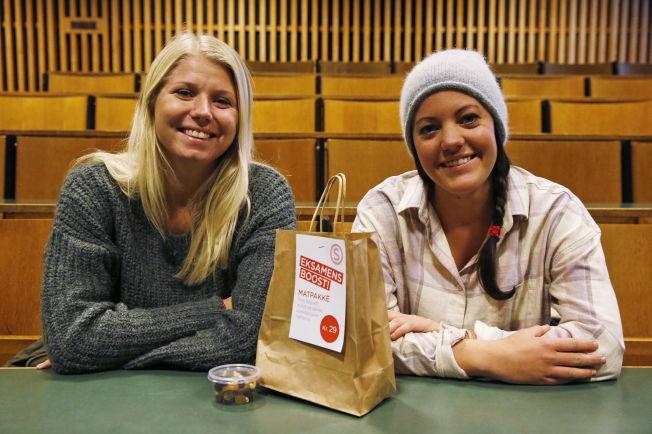 <p>FORNØYDE: Felicia Ueland (20) fra Oslo (til venstre) og Line Ulland Henriksen (20) fra Haugesund skal ta i bruk flere av rådene de har fått.<br/></p>