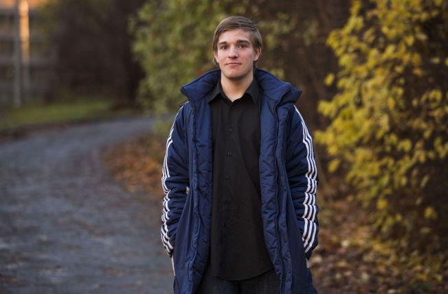 <p><i>FLYTTET FRA MOBBERNE: Tobias Setzers familie flyttet fra Romsdalen til Nord-Norge på grunn av trakasseringen han opplevde på skolen. Foto: FRODE HANSEN</i></p>
