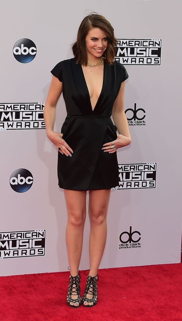 89dfda87 DEN LILLE SVARTE: The Walking Dead skuespilleren, Lauren Cohan, ankom den  røde løperen