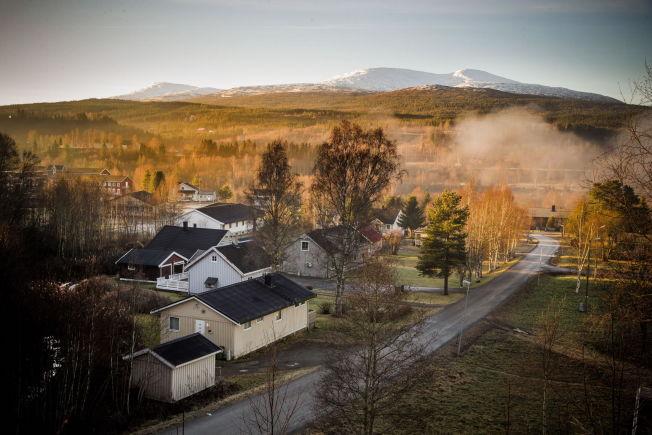 <p>NAVNLØS: I dag er denne gaten navnløs, så blir det Nygårdsveien i Meråker.</p>