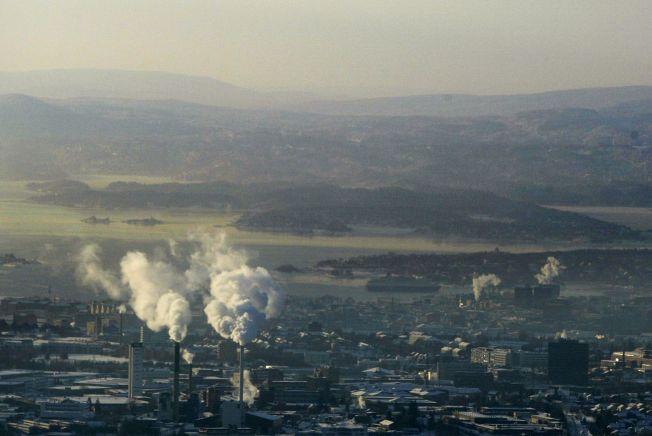 <p>ET LOKK OVER BYEN: Ofte kan forurensingen av luften i Oslo sees tydelig.</p>