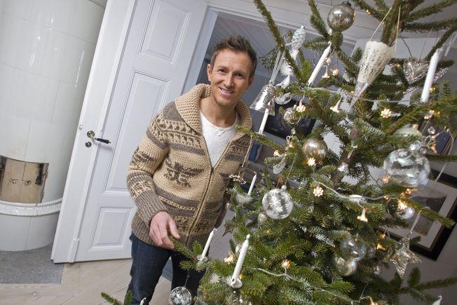 <p>BORT MED JULEPYNTEN: Halvor Bakke blir provosert at de som fortsatt har julepynten ute.<br/></p>