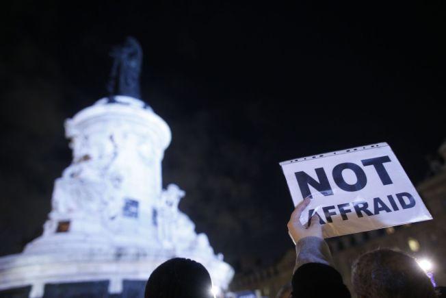 <p><b>VI ER IKKE REDDE:</b> I forgårs samlet flere tusentals mennesker i Paris for å vise sin støtte til de drepte i terrorangrepet mot satireavisen Charlie Hedbo.<br/></p><p/>