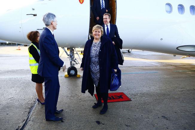 <p>NORSK STØTTE: Statsminister Erna Solberg og utenriksminister Børge Brende ankommer her Paris søndag formiddag.</p><p></p>