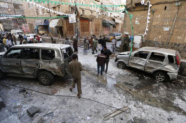 <p>BOMBE I SHIA-KVARTER: Lillejulaften gikk det av en bombe i Sanaas hovedstad - i et område hvor det bor mange shiamuslimer. Det er antatt al al-Qaidas gren i Jemen står bak.</p>
