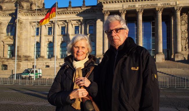 <p>MISBRUKES: Detlef og Rita Raschke fra Berlin menerfrykter at myndighetene kan bruke terroren i Paris til å innføre mer overvåkning. - Det mest skremmende nå, er de anti-muslimske holdningene fra folk som Pegida, mener Detlef.<br/></p>