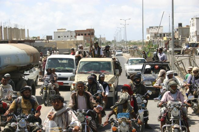 <p>BOLTREPLASS: Jemen er et av de aller viktiste landene for al-Qaida. Dette bildet av det som skal være medlemmer av terrororganisasjonens avdeling i landet ble tatt i byen Zinjibar i 2012.</p>