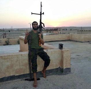 <p>VAR GARTNER: Devan sier han reiste alene til Syria. Han jobbet som gartner i Belgia før han dro. I høst var han én av over 300 belgiere som kriger på islamistenes side i krigen.</p>