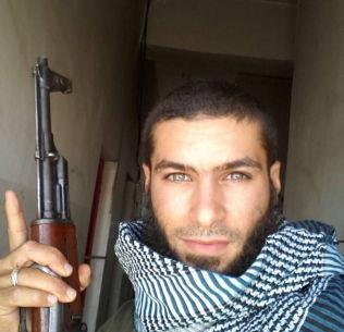 <p>KRIGER I FREMMED LAND: 25-åringen Devan kjempet i høst for «Den islamske staten» i Syria. Han studerte i Belgia, før han reiste til Syria.<br/></p>