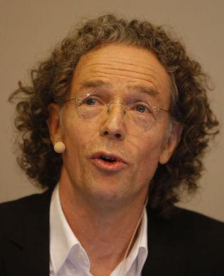 <p>BEKYMRET: Divisjonsdirektør Knut-Inge Klepp i Helsedirektoratet advarer mot høyt inntak av rødt kjøtt.<br/></p>
