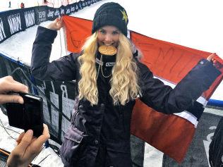 <p>GULL: Norendal med gullmedaljen og det norske flagget etter X Games-gullet.</p>