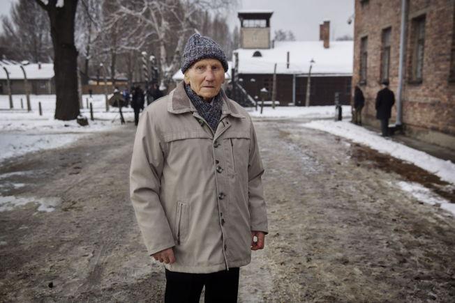 <p>RØMTE: På spektakulert vis klarte Kazimierz Piechowski (95) å rømme fra konsentrasjonsleiren i 1942. Mandag var han tilbake for å fortelle.<br/></p>
