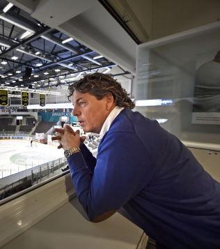 <p>NY ARENA: Oilers-eier Tore Christiansen i ferske DnB Arena.<br/></p>