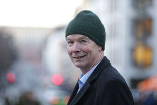 <p>VETERAN: Sp-nestor Per Olaf Lundteigen er glad for at partiet nå snur.</p>
