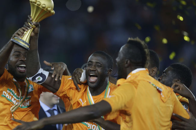 <p>YAYAs SUKSESS: Etter 23 år uten tittelen kunne Yaya Touré endelig løfte troféet etter Elfensbenskystens finaleseier i Afrika-mesterskapet.<br/></p>
