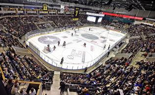 <p>PARADOKS: Stavanger Oilers har over 4000 i publikumssnitt på hjemmekampene i DnB Arena og kan vise til årlig millionoverskudd. Lillehammer IK er på vei mot millionunderskudd.<br/></p><p><br/></p>