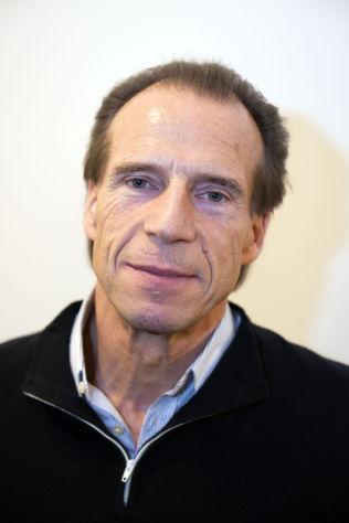 <p>LOKALSYKEHUS: Stortingsrepresentant Jan Bøhler (Ap) mener at ledelsen ved Oslo Universitetssykehus fortsatt ikke har lagt fram et realistisk forslag. Han vil ha fortgang i arbeidet med å gi Oslo et lokalsykehus og ny legevakt.<br/></p>