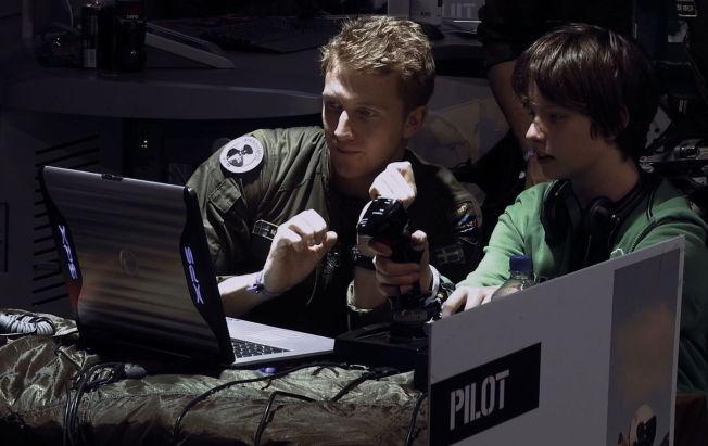 <p>REKRUTTERING: Amerikansk militærpersonell på rekruterringsoppdrag på en LAN-samling.</p>