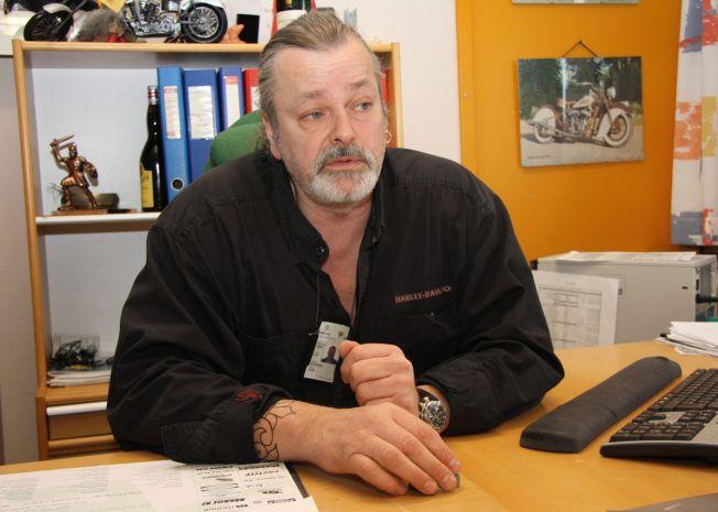 <p>FORFATTER: Bokaktuelle Eirik Jensen, avbildet på kontoret i 2010.<br/></p>
