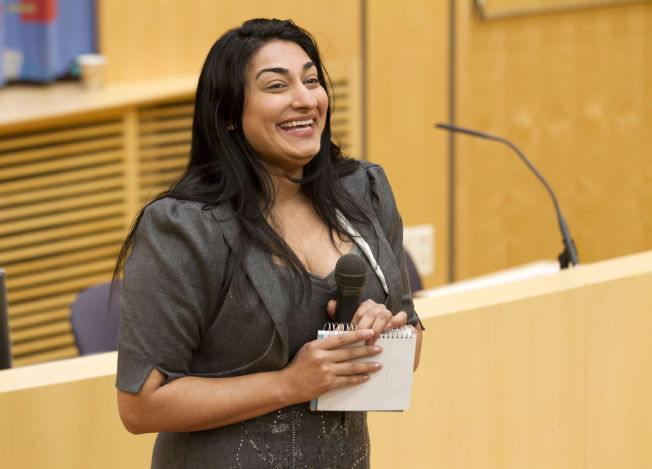 STØTTER KRAV OM VERN: Shabana Rehman Gaarder sier at hun også har vært utsatt for grov hets, og støtter Amal Adens kritikk av politiet og politiske myndigheter.