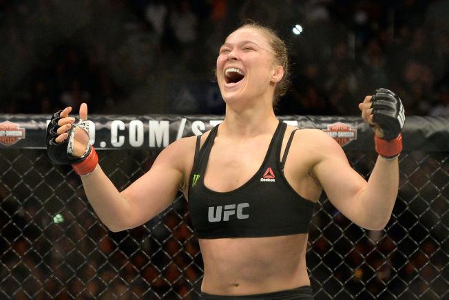 DEN STØRSTE: Ronda Rousey befestet sin posisjon med en ny overlegen seier i UFC sist helg.