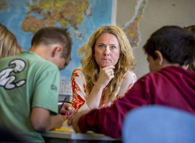 <p>LÆRERROLLEN: - Det står i læreplanen at «læreren med utgangspunkt i læreplanens kompetansemål velger innhold, aktiviteter og arbeidsmåter». Det gjev den enkelte lærar mogelegheit til variere og tilpasse undervisninga til sine elevar, slik at dei lærer best. Det vil ikkje Osloskolen (her ved skolebyråd Anniken Hauglie) gje han høve til, skriv kronikkforfattaren.</p>