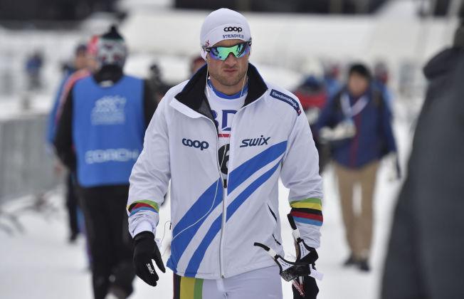 <p>SPONSORKLÆR: Petter Northug viste seg for siste gang i egne sponsorklær under den nasjonale åpningen på Beitostølen i november i fjor. Tirsdag denne uken var landslagsavtalen over - for denne gang.<br/></p>