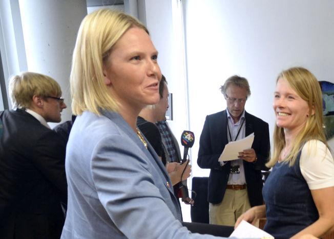 <p>DIREKTØR: Kristin Paus (t.h.) er kommunikasjonsdirektør i Coop. Her ble hun fotografert under ett møte mellom landbruks- og matvareminister Sylvi Listhaug (t.v.) og matvarekjedene i august i fjor.<br/></p>