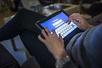 Advarer mot sosiale medier: Er du nedfor bør du ikke surfe på Facebook