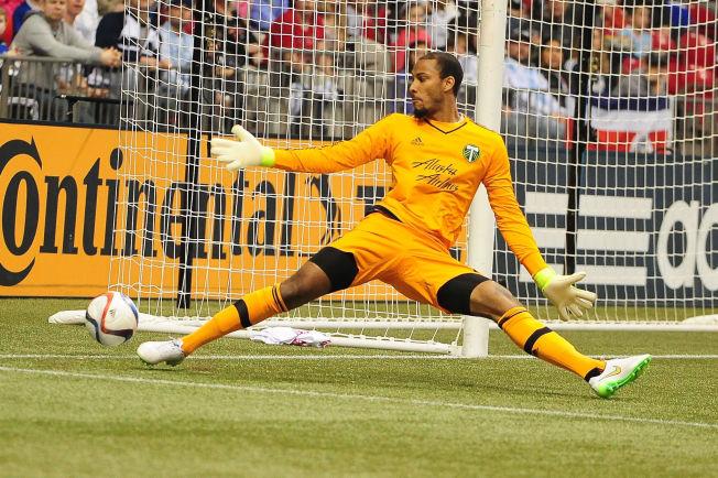 <p>SUKSESS: Forrige helg sto Adam Larsen Kwarasey for det som ble kåret til ukens redning i MLS. Her fra en tidligere kamp mot Vancouver Whitecaps.<br/></p>