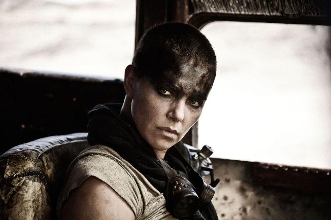 <p>MED KORT HÅR: Charlize Theron som Furiosa.<br/></p>