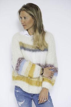 Norske jenter ville etter kjendisstylisten strikkegenser: Få
