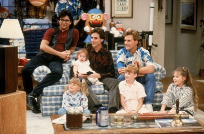 <p>FAMILIEN: Den utvidede Tanner-familien bor i et stort hus i San Fransisco. Nå går serien i reprise på TV 2 Humor.<br/></p>