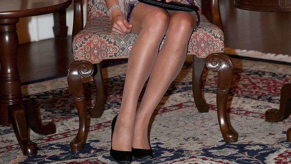 unge sexy svarte kvinner strømper hæler