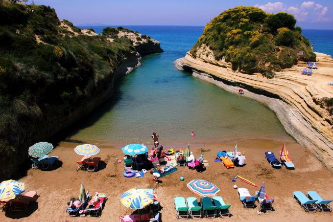 <p>HELLAS-DILLA: Nordmenn elsker Hellas. Her fra en vakker strand på Korfu.<br/></p>