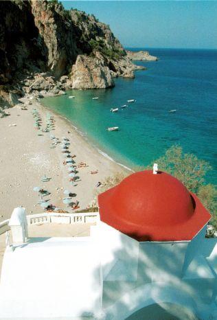 <p>KARPATHOS: Stranden Kira Panagia er en perle bare en kort kjøretur fra Pagadia på den greske øya Karpathos.</p>