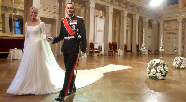 cd1142de De 10 vakreste kongelige brudekjolene - MinMote.no - Norges største ...