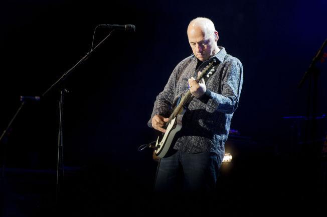 <p>PÅ SCENEN: Mark Knopfler spilte på DNB Arena i Stavanger mandag kveld.<br/></p>