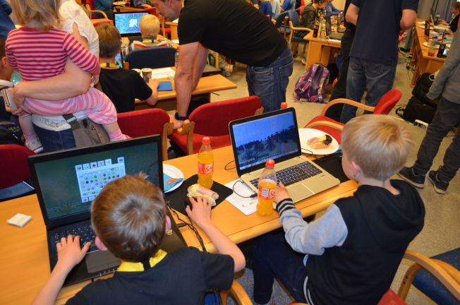 <p>POPULÆRT BLANT DE SMÅ: 250 små og store ivrige Minecraft-spillere møtte opp da Kartverket lanserte det nye Minecraft-kartet på datastevnet #hack4no i Hønefoss i helgen.<br/></p>
