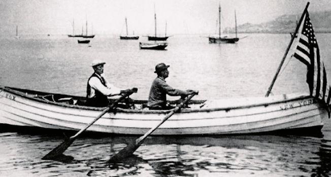 <p>1896 – 55 DAGER: Gabriel Samuelsen (til venstre) og Georg Harbo rodde fra USA til Europa – i en 18 fots gammeldags sedertrebåt – i løpet av 55 dager for 118 år siden.<br/></p>