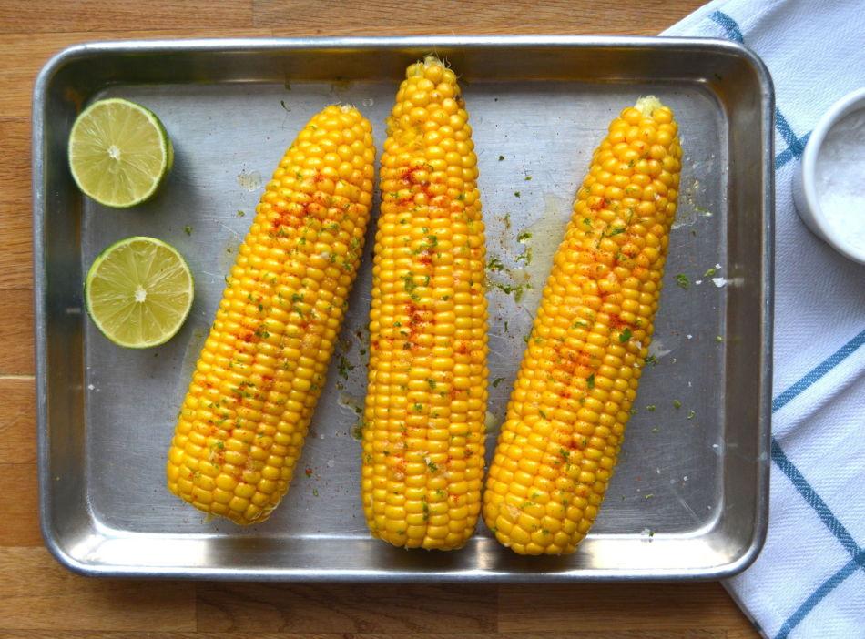 Maiskolber med limesmør